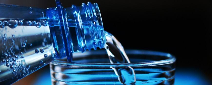 Aumenta el consumo de agua, los españoles consumen 60,71 litros de agua por persona y año