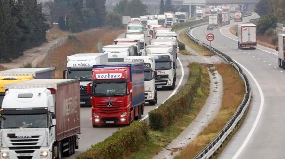 Pérdidas en el sector agrario por el bloqueo de camiones en Francia