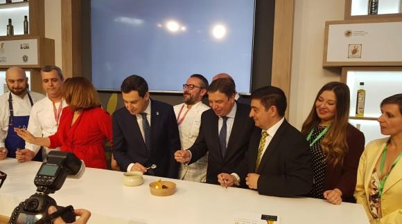 Planas negocia con Bruselas una regulación del mercado del aceite de oliva