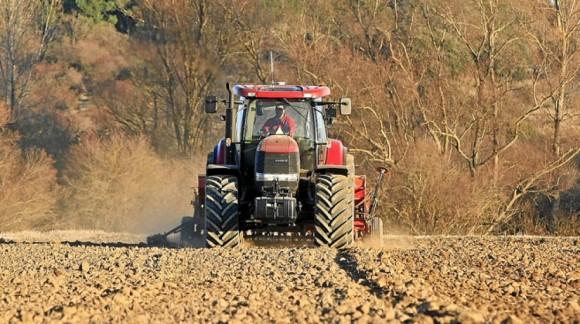 La venta de tractores baja levemente aunque aumentó un 16% en agosto