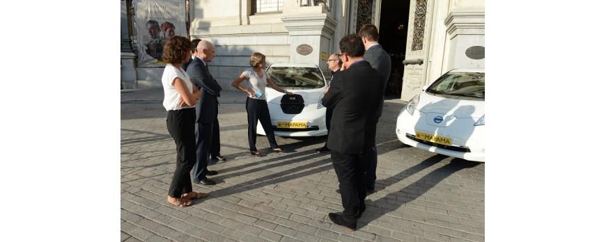 El Mapama presenta sus dos nuevos coches eléctricos de su parque móvil